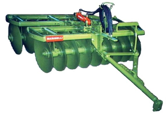 PMS Light and PMM Medium series stubble harrow with hydraulic device for sections angling supplied as standard