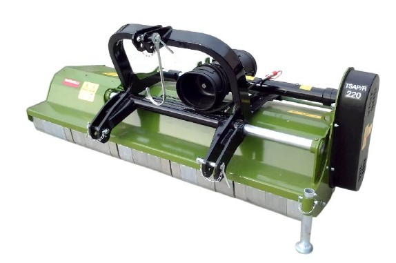 Flail mower for pruning, green areas, vineyards, with safety protections